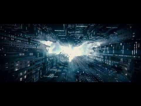 Batman: El Caballero de la Noche Asciende (Primer Trailer Subtitulado)