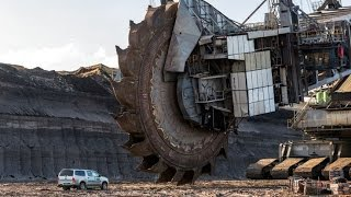 World biggest MEGA trucks ( earth diggers and other )