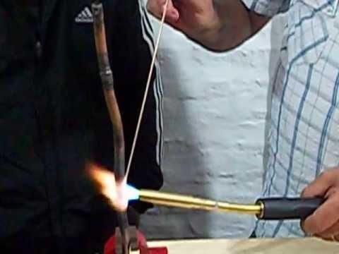 Aire acondicionado soldadura ca o cobre con plata youtube for Como soldar cobre