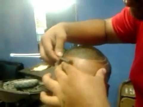 Cortes de pelo de hombre barber a corte urbano con dise o for Disenos de pelo