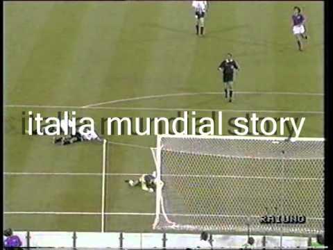 ITALIA-Austria 1 a 0 del Mondiale 'Italia 1990' (telecronaca primo tempo)