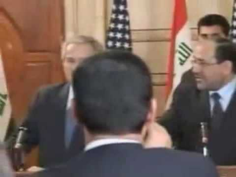 George Bush Shoe Attack - Reporter throws shoes at President during Iraq ...