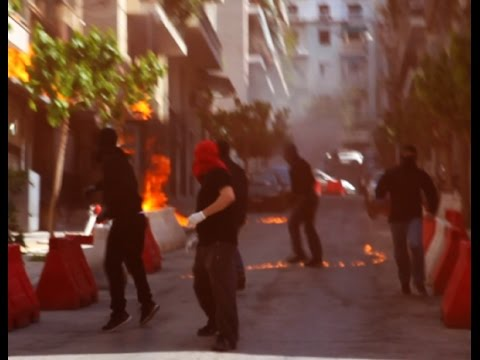 Athens, Greece: Anarchists attack Exarcheia Police Station against the cops that protect drug mafias