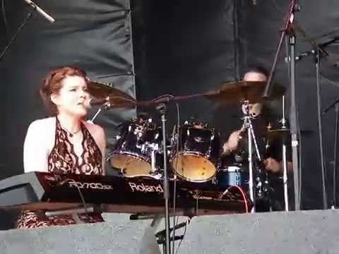 Filmed by Ruthie at the Americana International Festival, Newark on the main ...