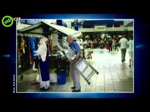 Pvv'er geeft moslim een trap