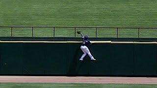 Matthews defies gravity to make the catch