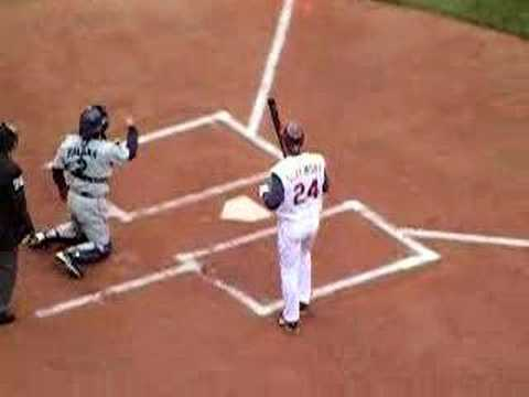 GRADY SIZEMORE AT BAT HOME OPENER 2007