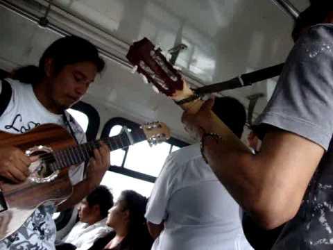 zigala serenata en transporte publico MUCHACHITA Los tres reyes