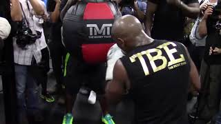 BREAKING NEWS: Floyd Mayweather To Have A Major Announcement Wednesday
