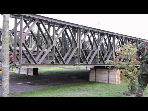 Operation Market Garden 2014: bouw Bailey brug Son en Breugel