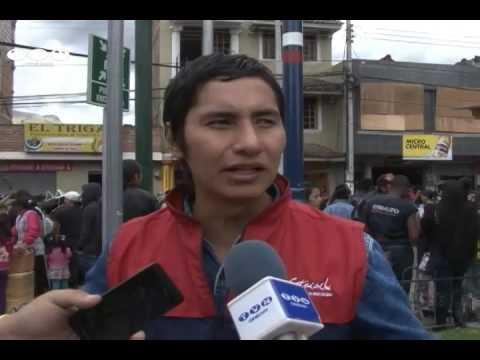 Danzantes se tomaron plaza central de Cotacachi (Noticias Ecuador)