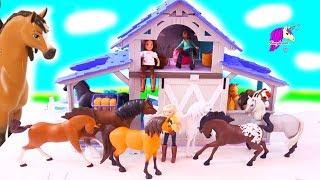 New Spirit Riding Free Horses + Barn Playset - Honey Hearts C Toy Video