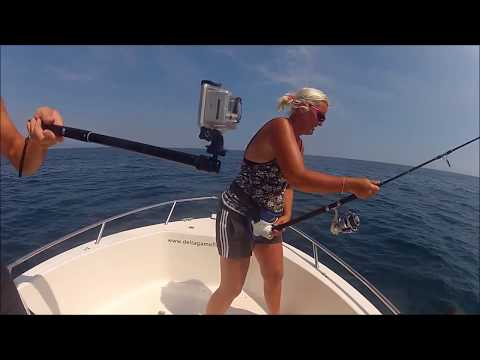 girls are warriors!! Extreme fishing!