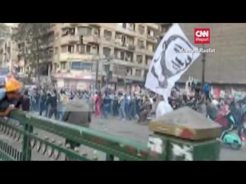 POLICE RIOT PUSH BACK EGYPT PROTEST  (GOOD VIDEO)