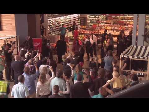 WOOLWORTHS FLASHMOB TRIBUTE TO NELSON MANDELA