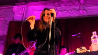 Watch Lisa Marie Presley So Long video