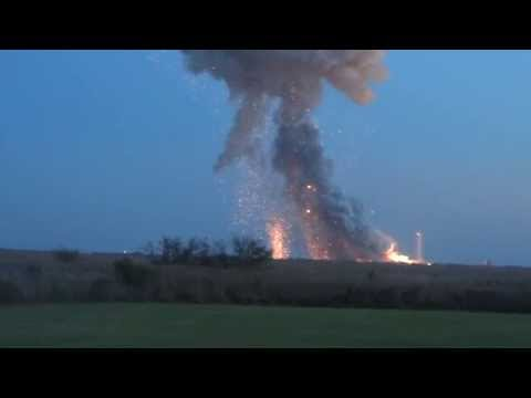 ANTARES EXPLODES!!! Panic at the press site! Orbital's rocket blows up