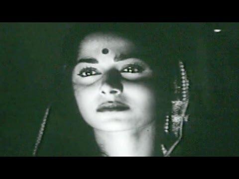 Waqt Ne Kiya Kya Haseen Sitam - Waheeda Geeta Dutt Kaagaz Ke...