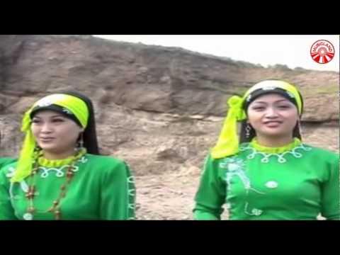 Nida Ria - Jilbab Putih [Official Music Video]