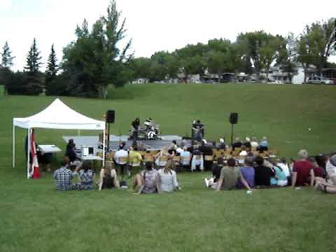 Hawrelak park amphitheatre wedding