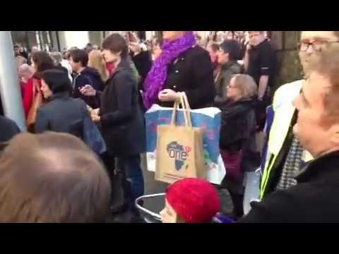 Flash Mob Hallelujah Chorus Cardiff