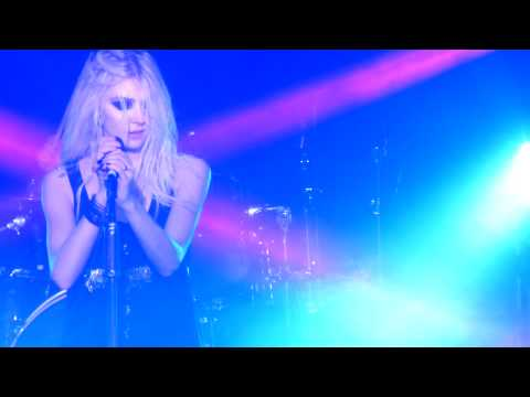 "The Pretty Reckless (Taylor Momsen) - ""Going to Hell"" Live - Seattle, WA (10-15-2013)"