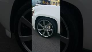 2009 Avalanche Lowered on 24 inch DUB Rims