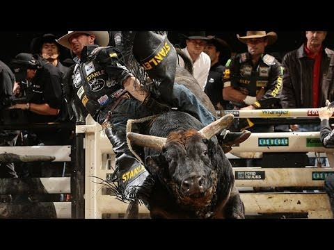 Top Bull: I'm A Gangster Too Scores 45 Points (pbr) video