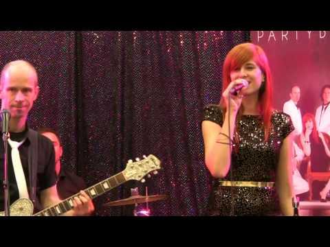 Beispiel: Wir Heiraten Messe Livemusik 2012 Partyblues Hochzeitsband Galaband, Video: Partyblues.