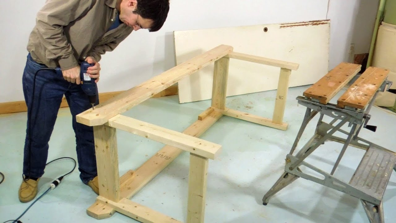 Simple sturdy workbench build - YouTube
