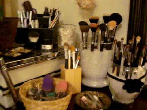 Make-up Vanity &amp; Organization