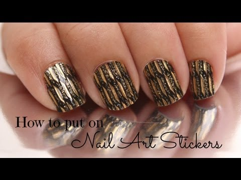 How to put on nail art sticker