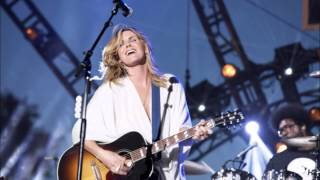 Watch Grace Potter Moonbeams video
