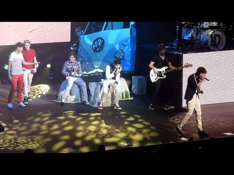I Wish - One Direction. Birmingham NIA 4/01/12.
