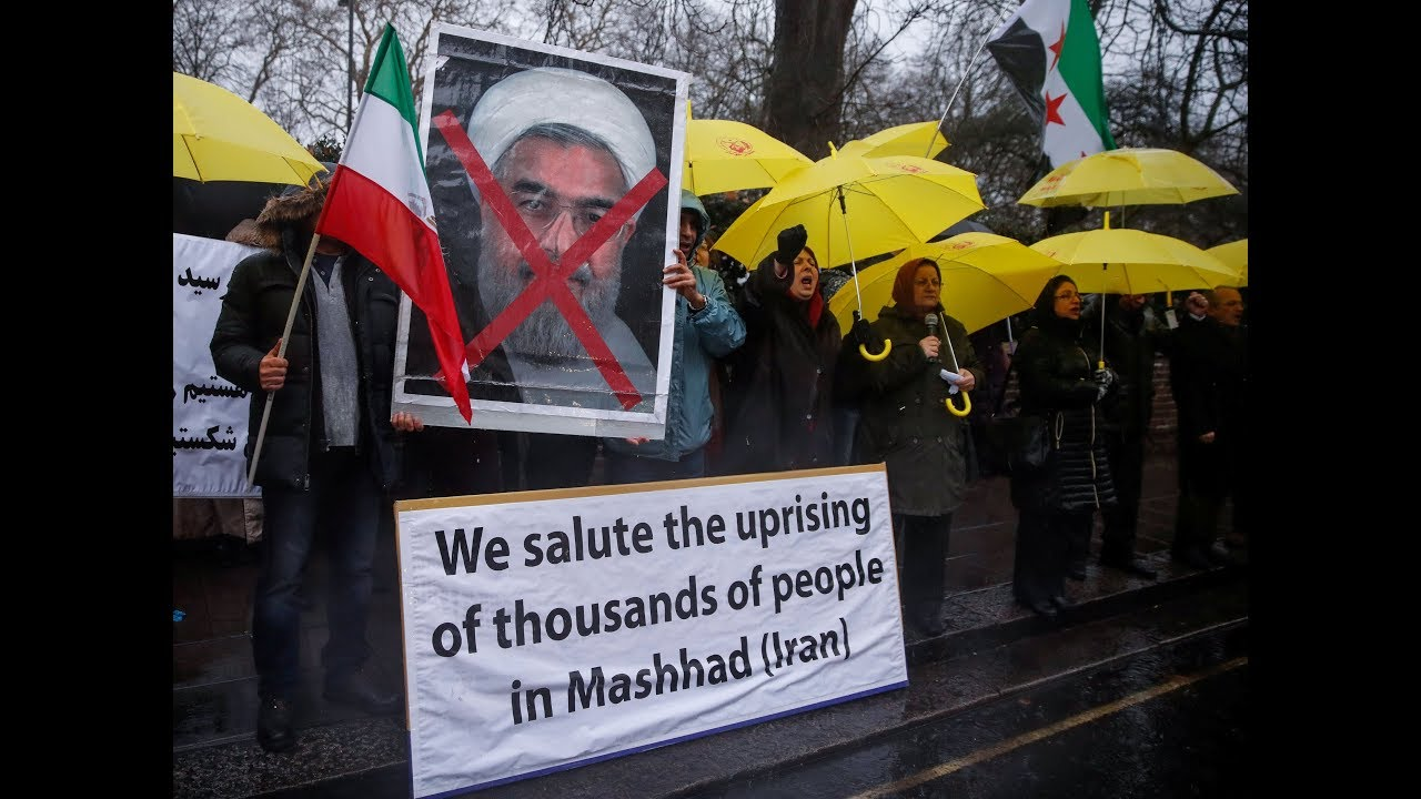 Iranian protesters defy warning of crackdown