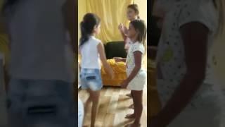 A menina dançando 👏👏👏😘