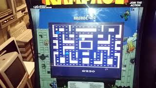 Playing atari 2600 Ms pacman on the Arcade1Up