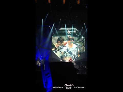 Fancam Jungshin dance & Jonghyun play drum - Can't Stop in Malaysia