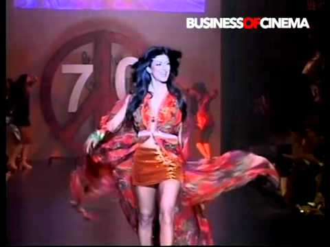 Sushmita Sens sexy ramp walk on Dum Maaro Dum for Salman Khans...
