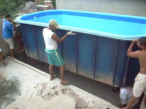 colocando a piscina parte 01 youtube