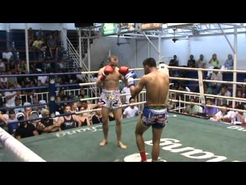 Daniel Ketley Sumalee VS Thepnarin, Bangla Boxing Stadium, May 11th. Daniel wins by KO!