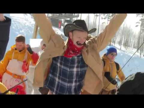 Чемпионат по прыжкам в бассейн на горных лыжах и сноуборде в Екатеринбурге
