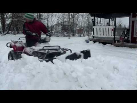 ATV Odes 400cc 4x4 - Snow Plowing