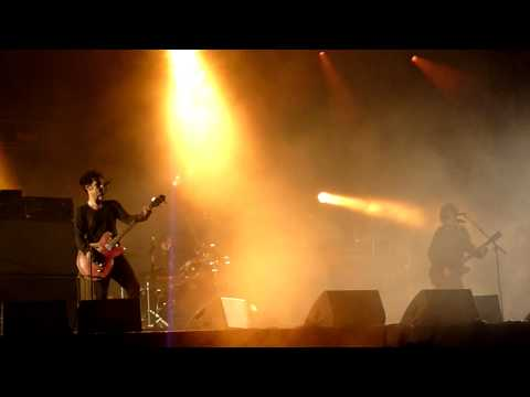 Black Rebel Motorcycle Club - Spread Ya Love Like A Fever