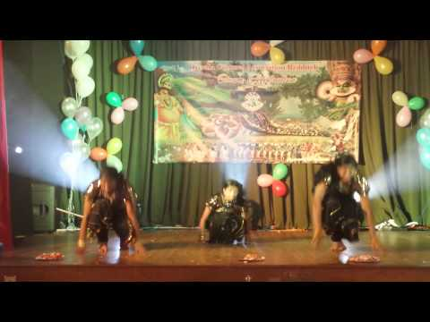 Redditch Kca Onam'13 - Jennet, Anjali & Erin video