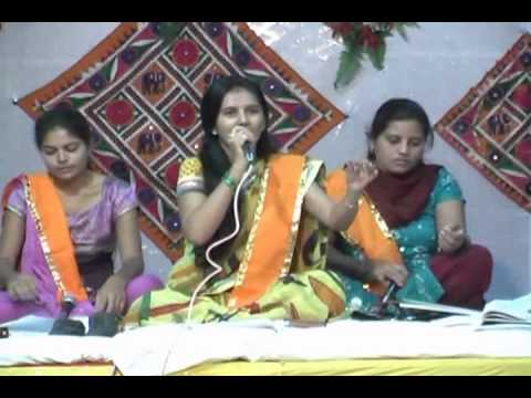 Ghammar Ghammar Maru - Live Program (shreenathji Bhajan) By Surabhi Parmar. video