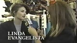 Linda Evangelista & Cindy Crawford Backstage Interview