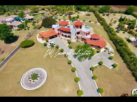 Manufacturing mansions en masse for Luxury caribbean homes for sale