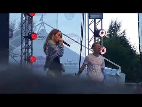 Новые песни Марьяны Ро! Встречайте самую известную видеоблогершу!!!💕💕💕видео с вк феста)
