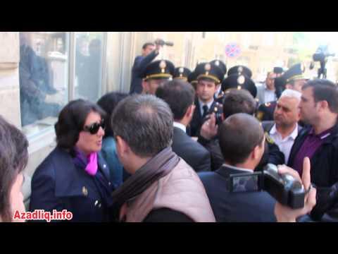 Pərviz Həşimlinin Məhkəməsində Polis Zorakılığı